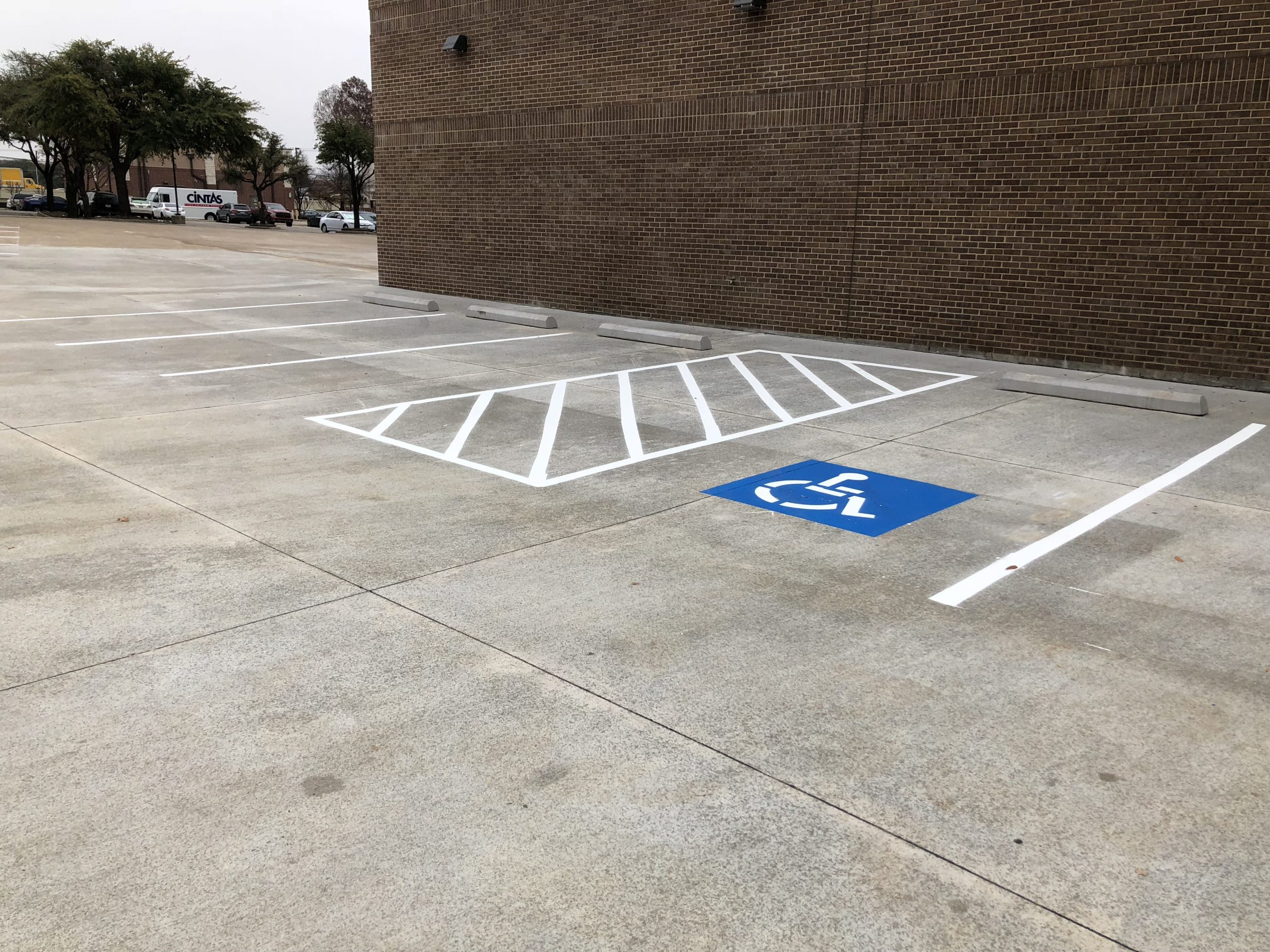 parking lot striping dallas tx commercial best company services near me texas parking lot striping company pictures 1.jpg