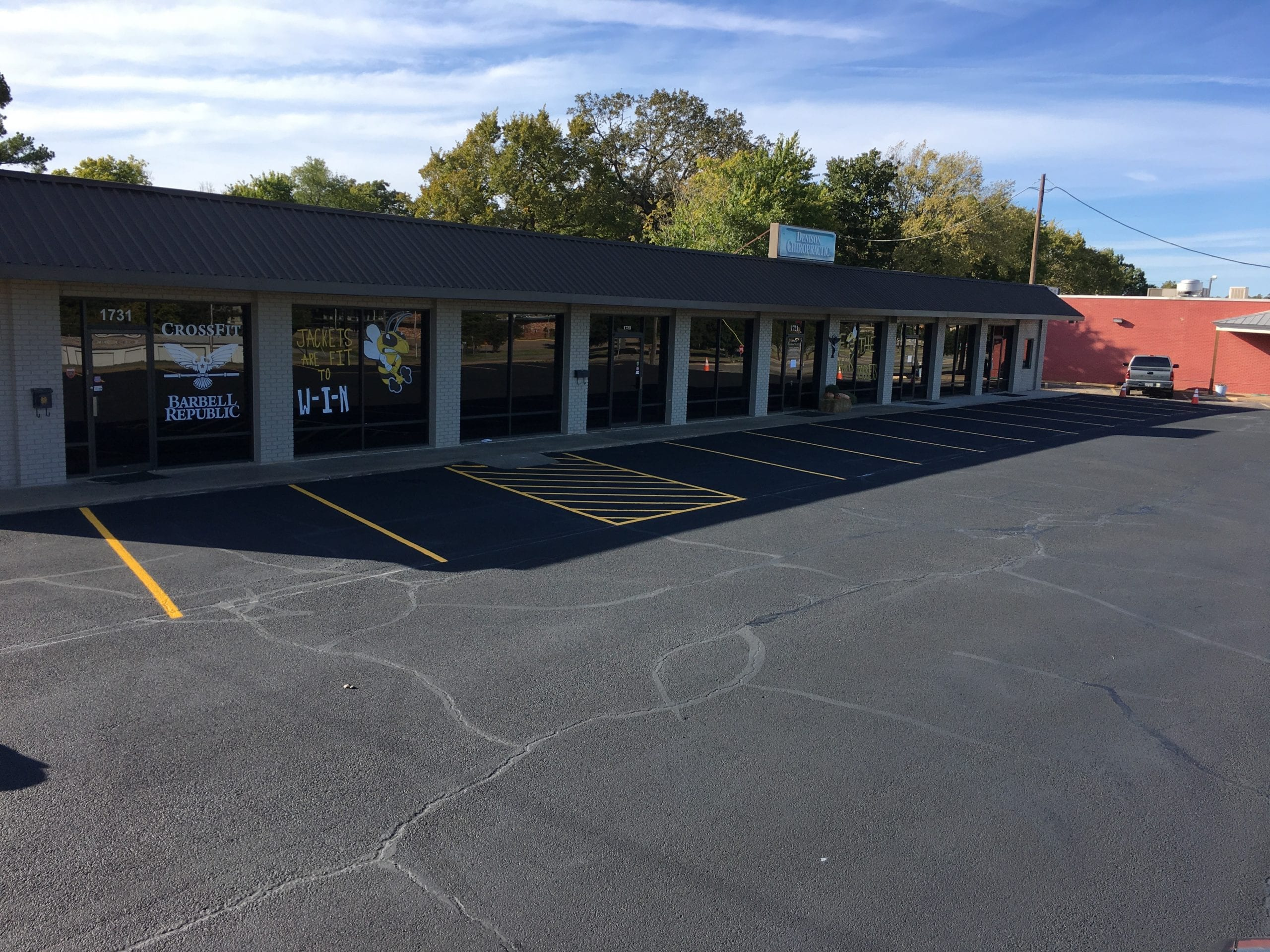 parking lot striping dallas tx commercial best company services near me texas parking lot striping company pictures 4.jpg